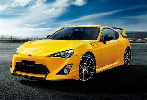 Japanese Toyota GT 86 Yellow Limited Edition is All About